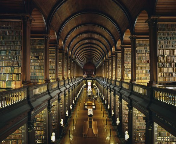 """""""Bibliothèque du Trinité Collège à Dublin """" - Photo Ahmet Ertug"""