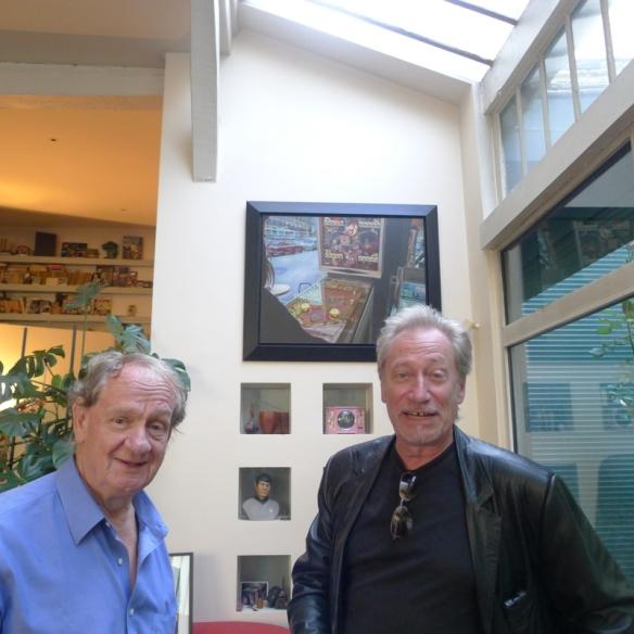 """André Campana et Jean-Claude Meynard  devant  le tableau """" Le FLIPPER""""    de Meynard à l'arrière plan - 2011"""