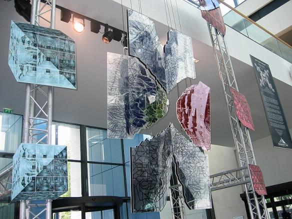 Jean-Claude Meynard – Installation fractale chez Mercedes Benz – Rueil-Malmaison, Ile-de-France, Avril/Mai/Juin 2006