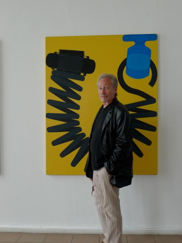 Meynard devant une toile de Jacques Poli - Exposition Jacques Poli à la Vllla Tamaris - 2012