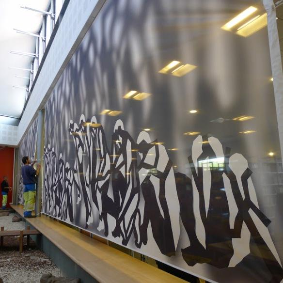 """Jean-Claude Meynard - Montage des voilures de l'installation """" Demeures Fractales """"  à la Médiathèque de Valbonne Sophia Antipolis - 2013"""